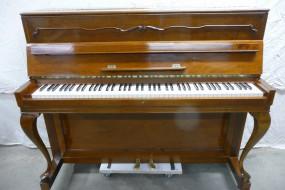 Pianino klasyczne chippendale
